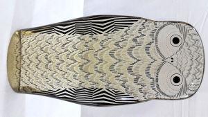 PALATNIK  Escultura cinética representando coruja em resina de poliéster de manufatura Abraham Palatnik. Medindo 22 cm de altura por 11 cm de comprimento.