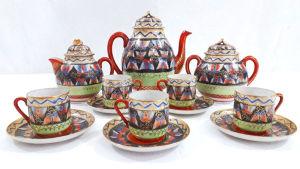 MIKADO - JAPAN - Jogo de chá para 5 pessoas em fina porcelana casca de ovo em rica decoração oriental e filetação dourada. Maior tamanho 16 cm e menor tamanho 5 cm.